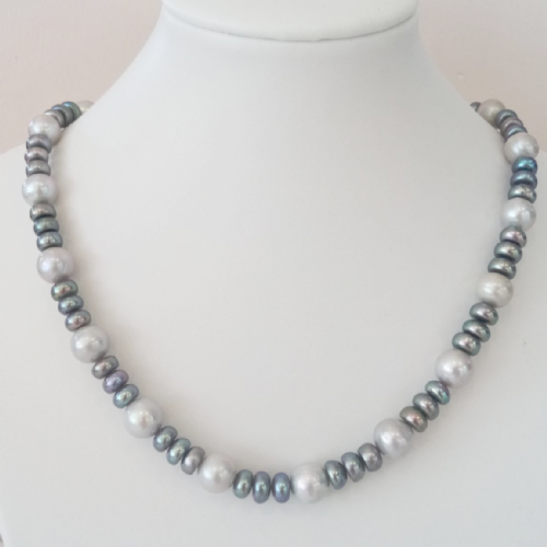 Grey/Peacock Pearl Necklace